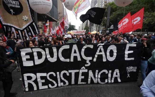 Manifestantes na avenida Paulista, em São Paulo