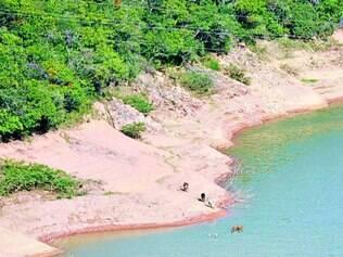 Furnas. Sem chuva, reservatórios de hidrelétricas ficam vazios e a geração de energia comprometida