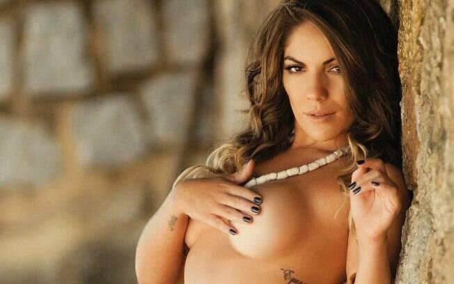 Já na sexy, quem estrelou a edição de maio foi a ex-BBB Anamara