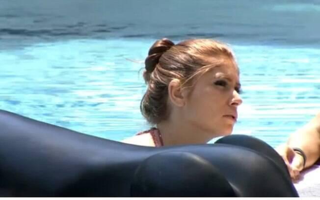 """BBB14: Amanda sobre Valter: """"É muito amigo de todo mundo, e acaba que não é amigo de ninguém"""""""