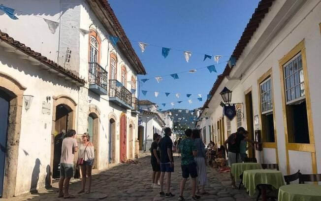 Ruas de pedras e arquitetura da época Brasil Colônia