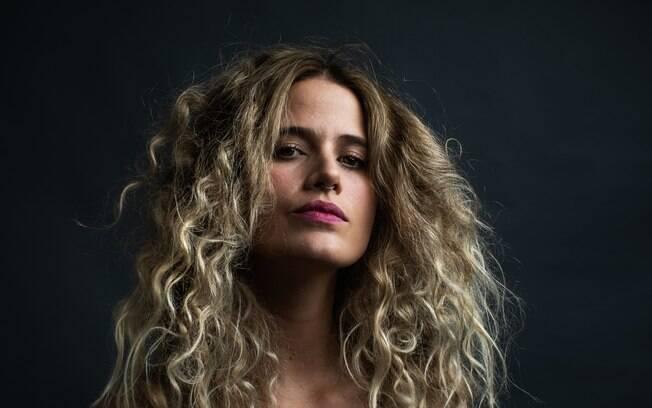 Ana Cañas lança seu novo álbum