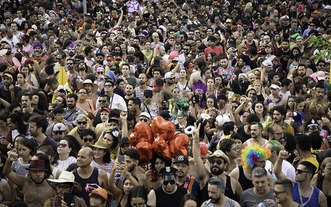 Blocos de Carnaval tomaram conta de várias regiões