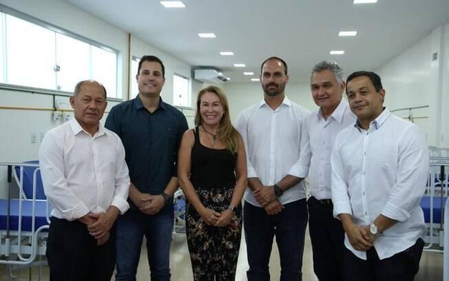 Prefeita de Boa Vista, Teresa Surita (MDB-RR) se reuniu com deputados que visitaram a região, entre eles, Eduardo Bolsonaro (PSL-SP)