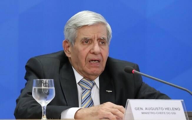 Augusto Heleno foi flagrado em vídeo fazendo críticas ao Congresso Nacional