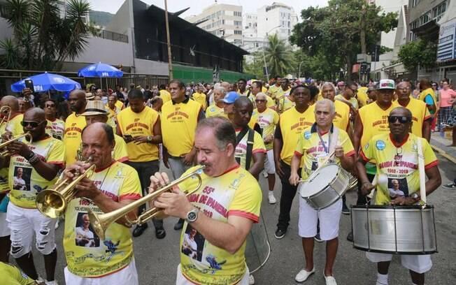 Concentração para o desfile do bloco Banda de Ipanema
