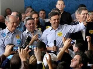 Aécio Neves (PSDB) inaugurou seu comitê de campanha em Belo Horizonte nesta quinta-feira (31/7)