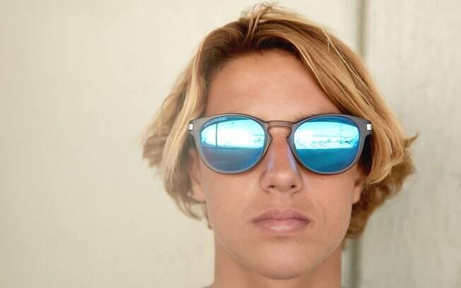 Além de fabricar óculos, Luxottica tem também lojas