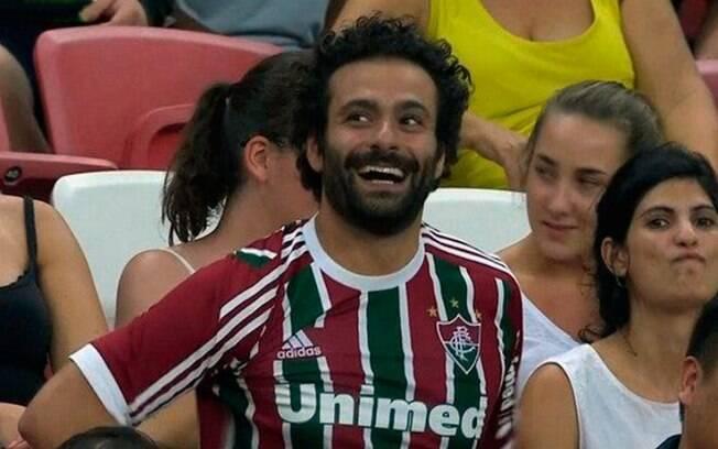 Sósia de Salah assiste à partida da seleção brasileira