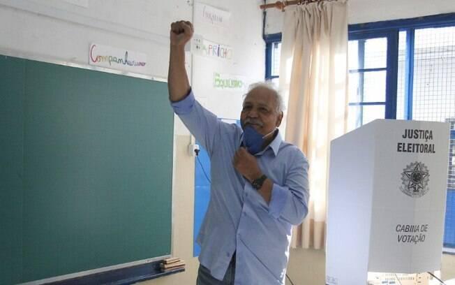 Candidatos à Prefeitura de Campinas votam neste domingo