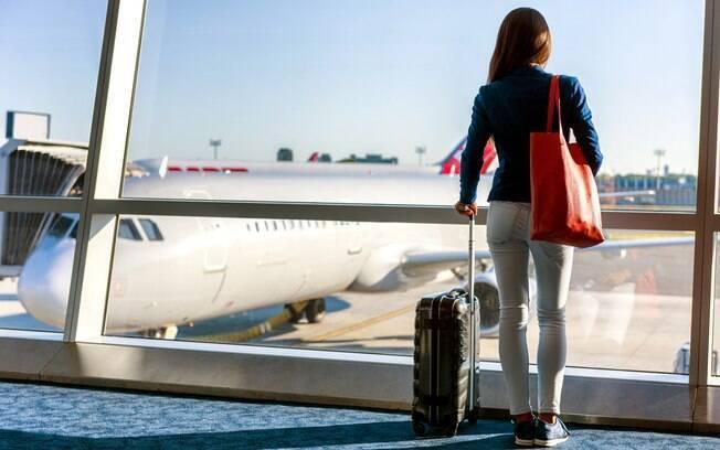 Viajar sozinha ainda é um tabu para muitas mulheres e suas famílias.