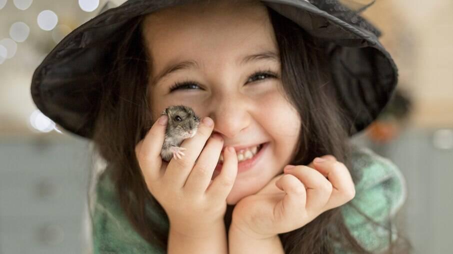 Por serem pequenos e frágeis, não são indicados para crianças muito pequenas, mas são ótimos companheiros