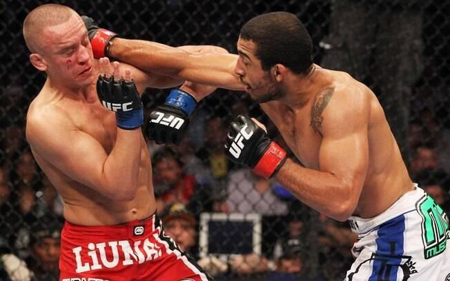 José Aldo não se cansou de bater em Mark  Hominick no UFC 129. E mesmo com a grande  resistência do canadense, o brasileiro mostrou por  que é um dos melhores do mundo