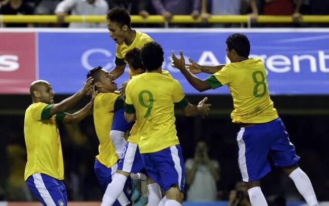 Comemoração após Neymar marcar o gol do  título
