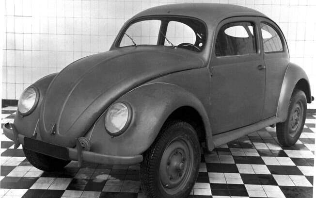 Os primeiros Volkswagen Type 1 usavam componentes militares que restaram da Segunda Guerra Mundial