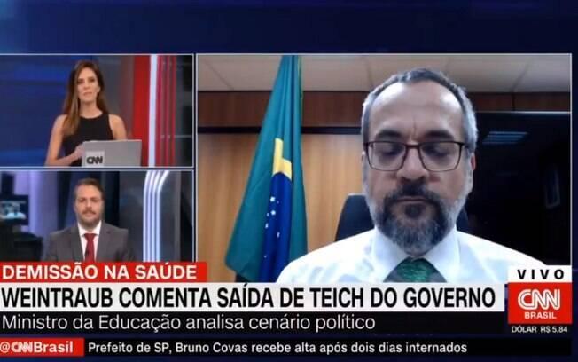 A entrevista, que seria sobre o Enem, mudou quando o ministro da Educação foi questionado sobre a saída de Teich