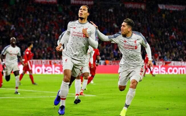 Van Dijk fez o segundo do Liverpool diante do Bayern pelas oitavas da Liga dos Campeões