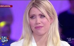 Mulher de Icardi chora ao vivo na TV ao falar sobre crise com a Inter de Milão