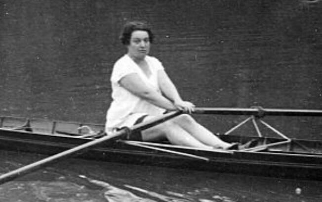 Alice Melliat fundou a Federação Esportiva Feminina Internacional (FEFI), que muito ajudou na luta das mulheres