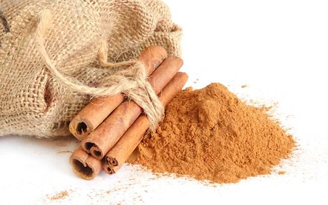 Canela: 1 colher (chá) ao dia. Pode ser ingerida com frutas ou chás. Foto: Getty Images