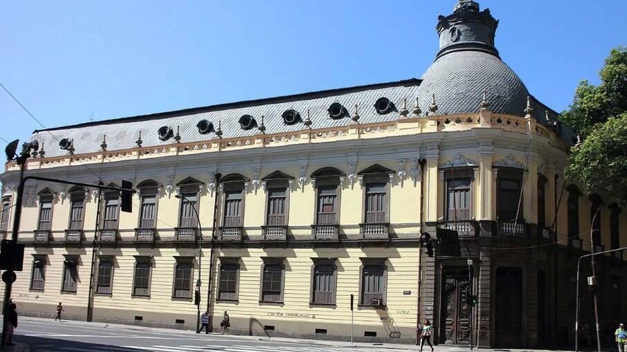 Fundado em 1837, a reitoria da instituição já informou que tem dinheiro apenas até setembro.