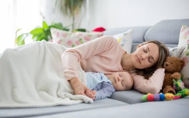 Em Pernambuco, mãe adormece sobre filho e bebê morre; caso serve de alerta para os pais sobre cuidado com bebês