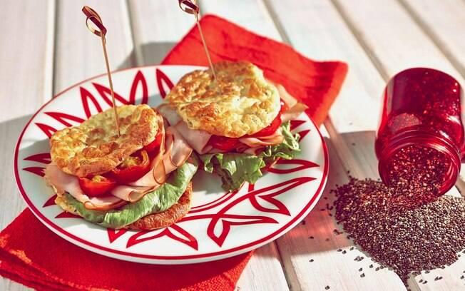 Receitas fáceis: usar pão de chia neste sanduíche é uma ideia saudável e prática para aquela fome fora de hora ou lanche