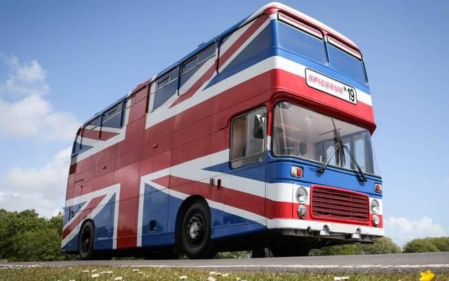 O ônibus oficial das Spice Girls foi transformado em um alojamento do Airbnb, e sua estadia custa menos de US$ 130