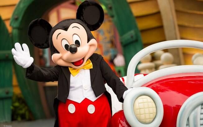 Mickey Mouse ganha comemorações pelo mundo em celebração ao seu aniversário de 90 anos