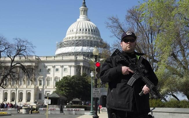 Segurança reforçada: No dia anterior, homem puxou arma em ponto de checagem de segurança