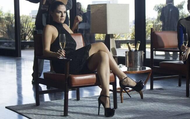 Karin (Raafela Mandelli) vai publicar um livro sobre sua vida e isso, claro, mexe com a vida de todas as meninas de O Negócio, que volta para a última temporada na HBO
