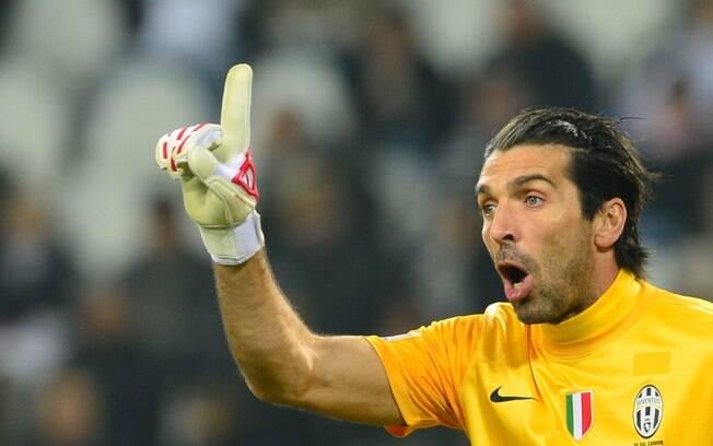 Com um 0 a 0 de poucas emoções, Juventus e  Lazio se enfrentaram. Time de Turim segue  liderando o Italiano