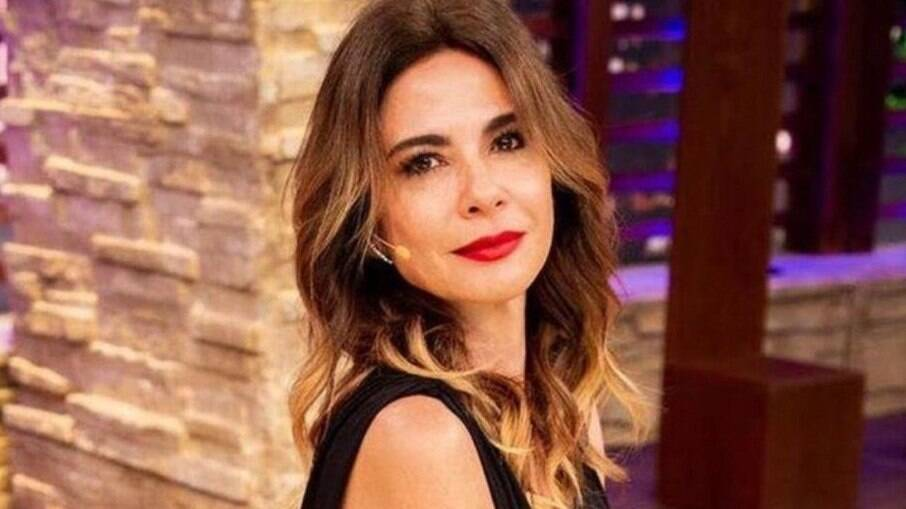 Luciana Gimenez, apresentadora da RedeTV!