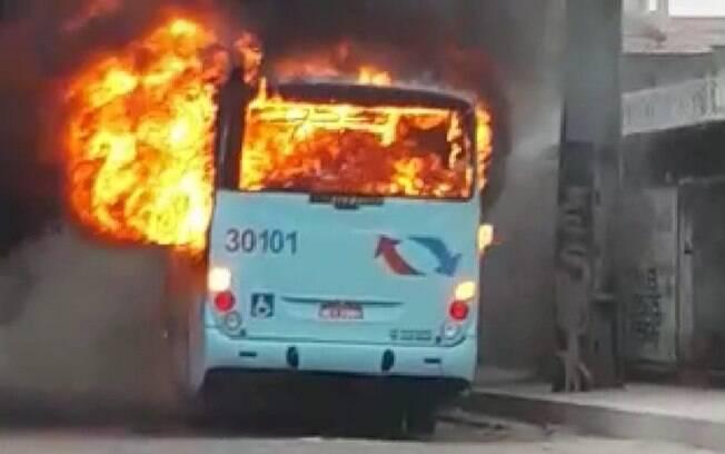 Ataques a ônibus em Fortaleza se repetiram por dois dias