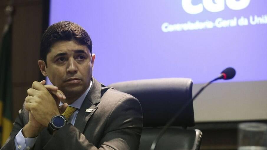 Rosário acusou a imprensa de ser tendenciosa e defendeu gastos do Governo Federal