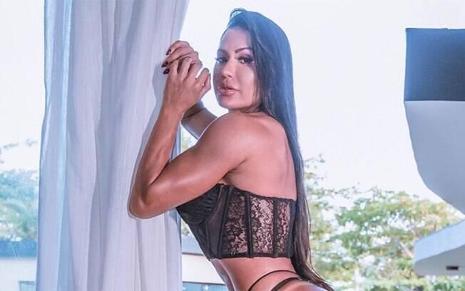 Gracyanne Barbosa fala sobre insatisfações com o corpo