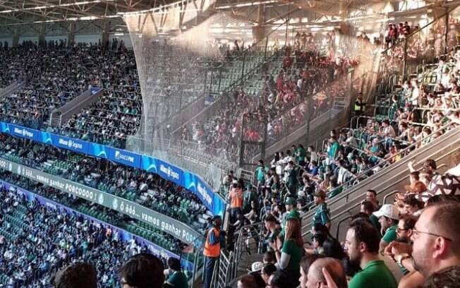 Setor de visitante no Allianz Parque foi cercado por uma tela