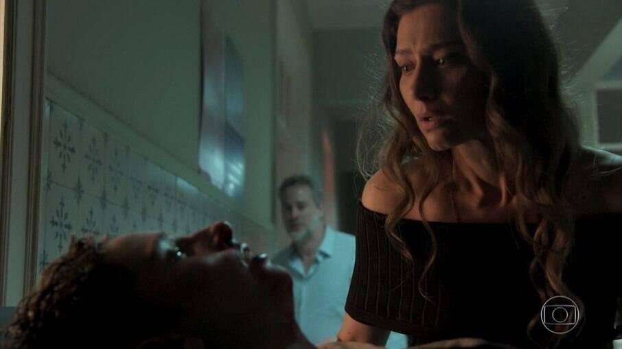 Joyce se desespera ao ver Ivan, que perde o bebê
