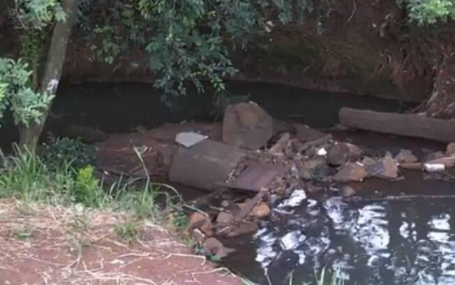 Córrego em que vítima foi encontrada