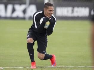 Guerrero em treino no dia 10, sexta-feira. No dia seguinte ele foi internado com dengue