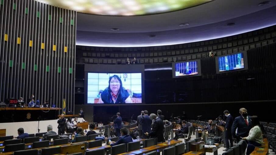 Deputados realizaram votação da MP nesta terça-feira