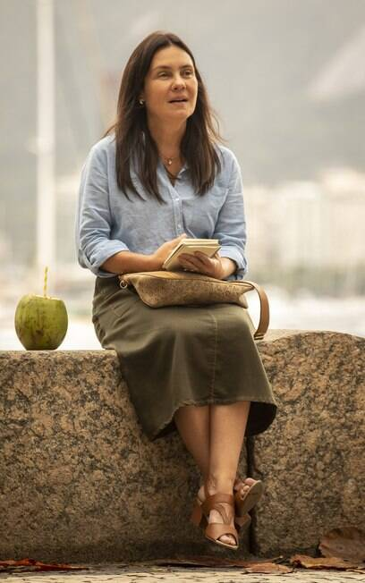 Thelma (Adriana Esteves)