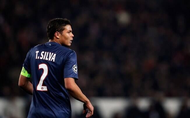 O zagueiro brasileiro Thiago Silva fecha a  lista de dez maiores salários, ganhando 12 milhões  por ano no PSG