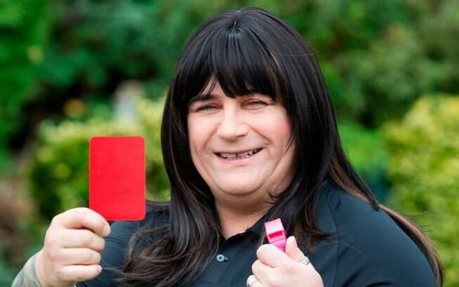 Árbitra transgênero recebeu apoio da instituição