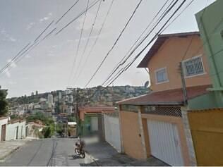 Agressões teriam acontecido na rua das Amendoeiras, onde acusada mora