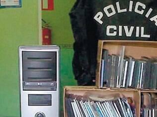 Comércio de CDs e DVDs piratas é bastante comum