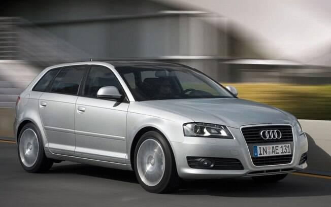 Audi A3 traz o