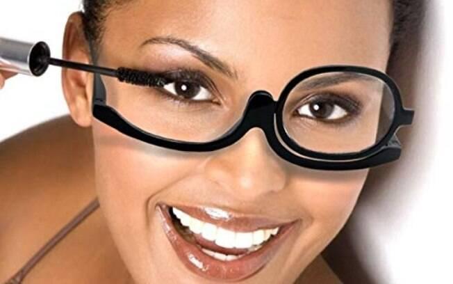 Óculos de maquiagem é tendência em alta no mercado de beleza