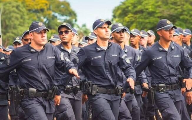 Aumento será de 25% para PMs e bombeiros; proposta foi polêmica por ter atrasado o envio do socorro de R$ 60 bilhões a estados e municípios
