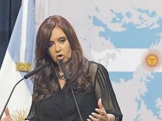 Cristina Kirchner afia discurso para a eleição argentina deste ano